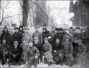 Комсомольцы и молодые большевики станции Зверево